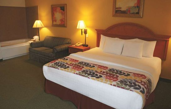 Suite La Quinta Inn and Suites Springfield Airport Plaza