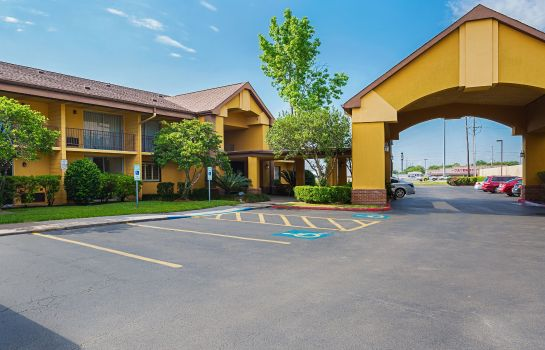 Vista exterior Quality Inn and Suites NRG Park - Medica