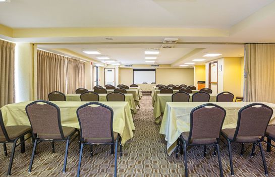 Sala de reuniones Quality Inn and Suites NRG Park - Medica
