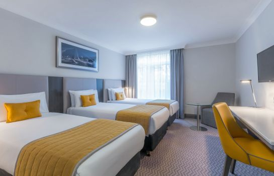 Triple room Maldron Hotel Dublin Airport