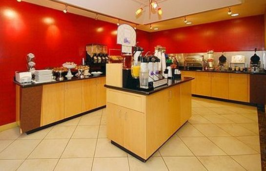 Restaurant Clarion Hotel Portland International Airport