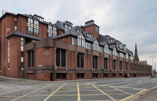Exterior view Crowne Plaza CHESTER