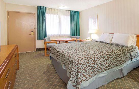 Zimmer DAYS INN MIDTOWN ABQ