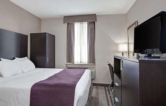Room Days Inn by Wyndham Jamaica / JFK Airport