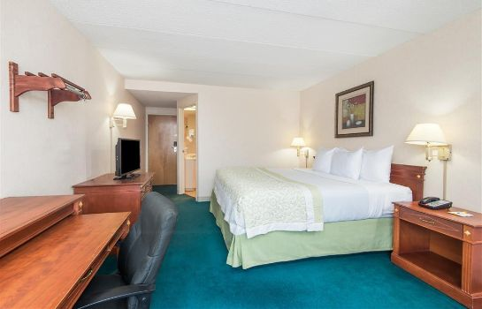 Camera DAYS INN SPRINGFIELD-CHICOPEE