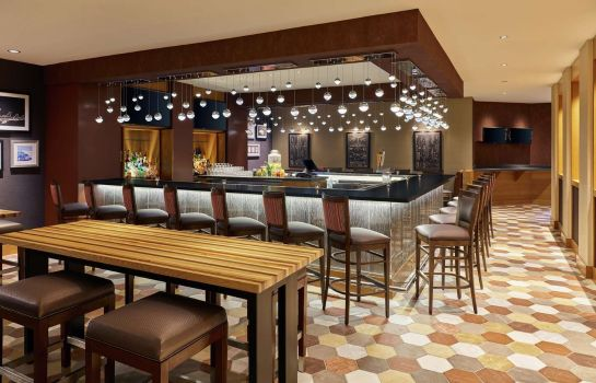 Bar del hotel Doubletree Hotel Houston Intercontinental Airport