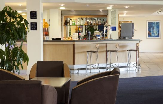 Bar de l'hôtel Holiday Inn Express CARDIFF AIRPORT