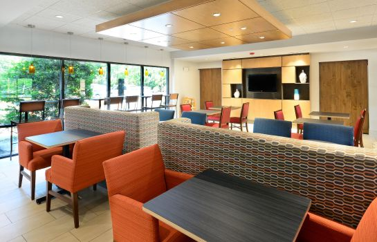 Restaurant Holiday Inn Express & Suites RESEARCH TRIANGLE PARK