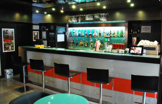 Hotel bar DoubleTree by Hilton Bucharest - Unirii Square