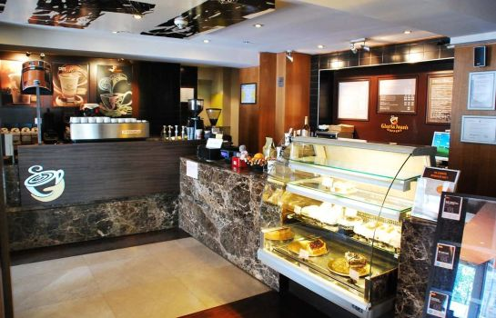 Bar del hotel DoubleTree by Hilton Bucharest - Unirii Square
