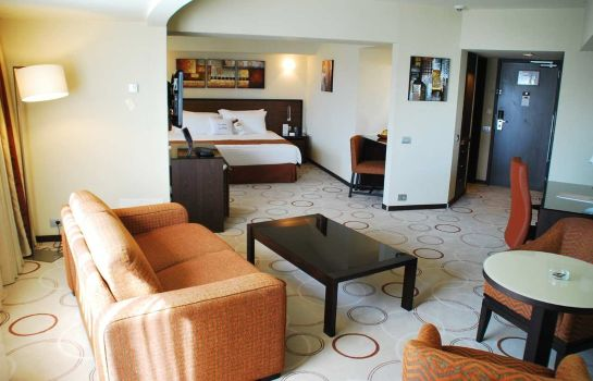 Suite DoubleTree by Hilton Bucharest - Unirii Square