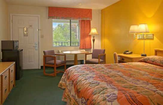 Zimmer HOWARD JOHNSON INN SUITES JAX