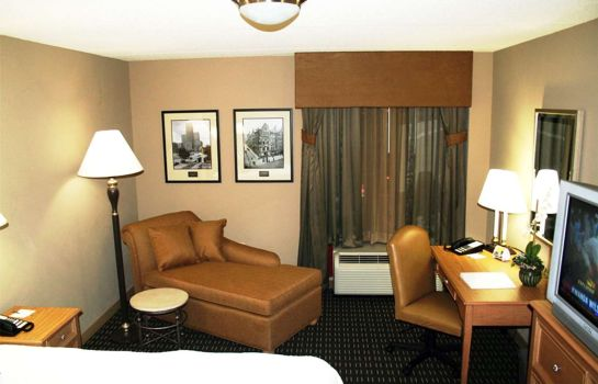 Room Hampton Inn - Suites Albany-Downtown