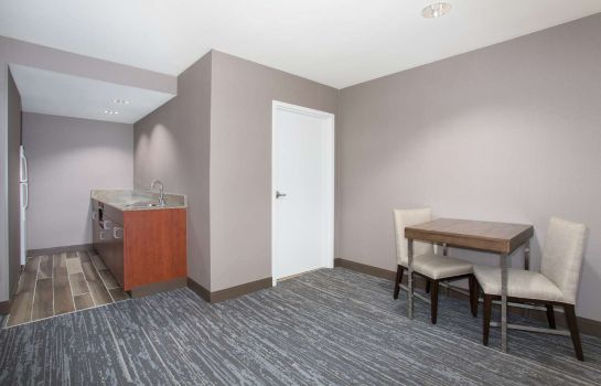Zimmer Hampton Inn - Suites Denver-Downtown