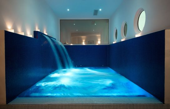 Whirlpool Mondial Resort & Spa