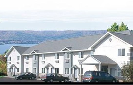 Vista esterna Econo Lodge Inn & Suites Canandaigua