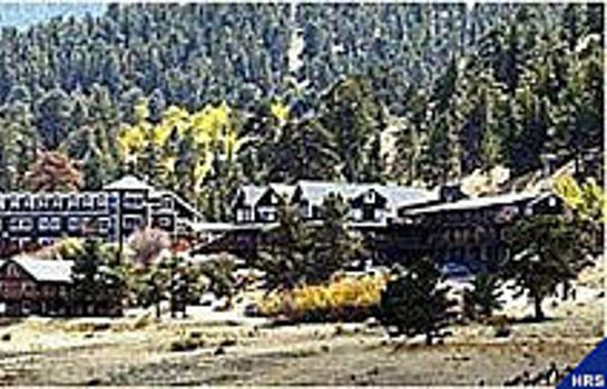 Exterior view Marys Lake Lodge