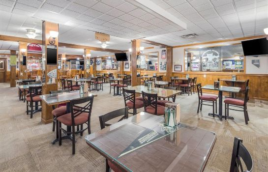 Restaurant Clarion Hotel and Suites Fairbanks near