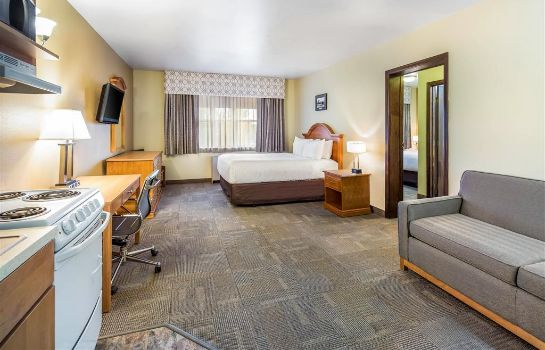 Suite Clarion Hotel and Suites Fairbanks near