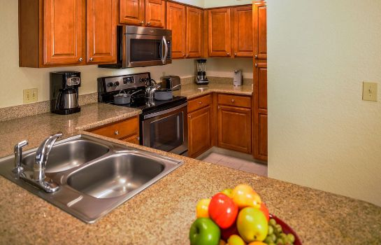 Kitchen in room Polynesian Isles by Diamond Resorts