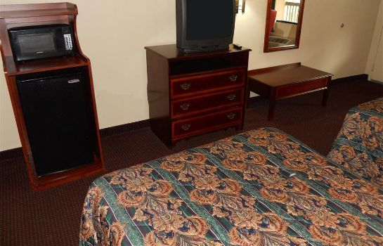 Zimmer COUNTRY HEARTH INNS AND SUITES