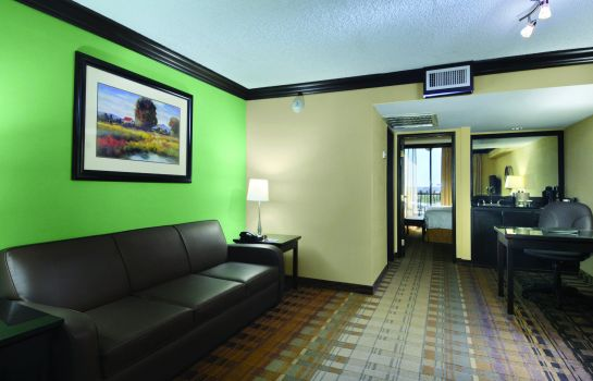 Suite Crowne Plaza Suites HOUSTON - NEAR SUGAR LAND