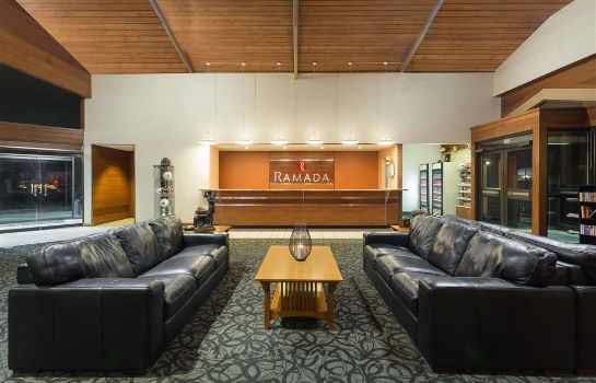 Lobby Ramada by Wyndham Cedar City