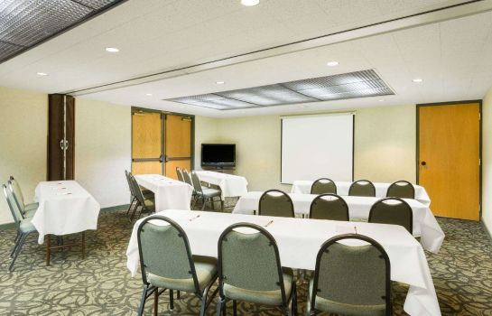Conference room Ramada by Wyndham Cedar City