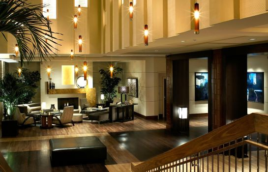 Hotel-Bar The Highland Dallas Curio Collection by Hilton