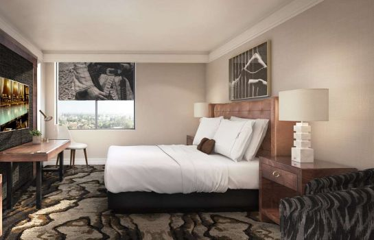 Zimmer The Highland Dallas Curio Collection by Hilton