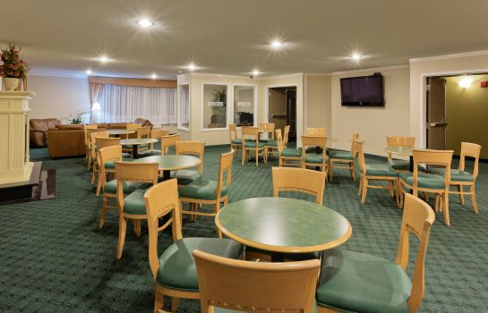 Restaurant La Quinta Inn Everett