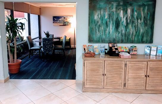 Lobby Tropical Winds Oceanfront Hotel