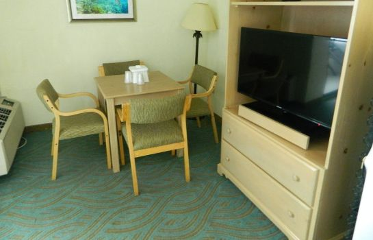 chambre standard Tropical Winds Oceanfront Hotel