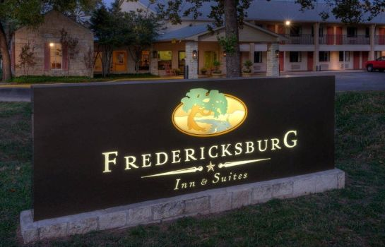 Buitenaanzicht FREDERICKSBURG INN AND SUITES