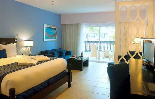 Suite Ocean Blue Sand Beach Resort