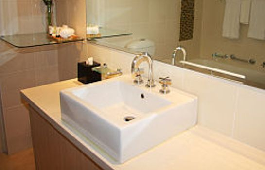 Bathroom The York by Swiss-Belhotel