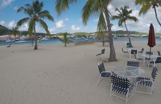 Strand Hotel on the Cay