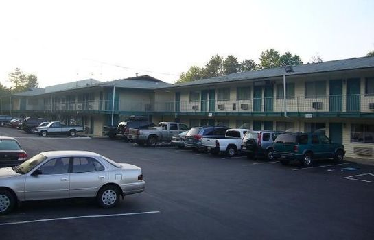 Exterior view Royal Inn Charlotte Airport Hotel