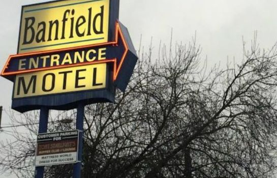 Buitenaanzicht BANFIELD VALUE INN