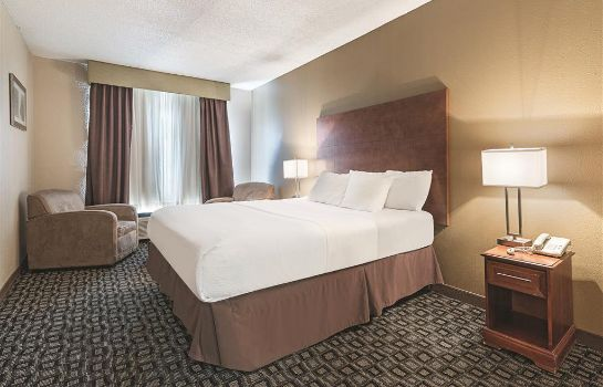 Suite La Quinta Inn by Wyndham Decatur