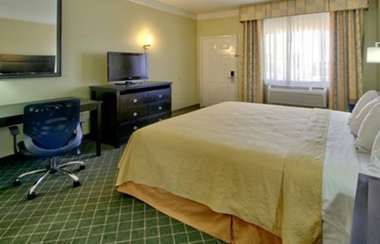 Room Quality Inn & Suites
