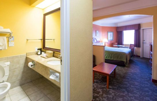 Suite Quality Inn & Suites Beachfront