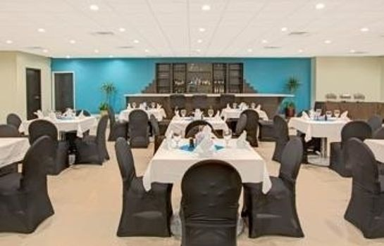 Restaurant Clarion Hotel Airport & Conference Center