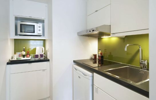 Kitchen in room Citadines Apart'Hotel South Kensington