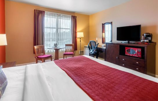 Suite Inn at Port Gardner Ascend Hotel Collect