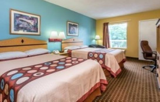 Zimmer Super 8 by Wyndham Atlanta Northeast GA