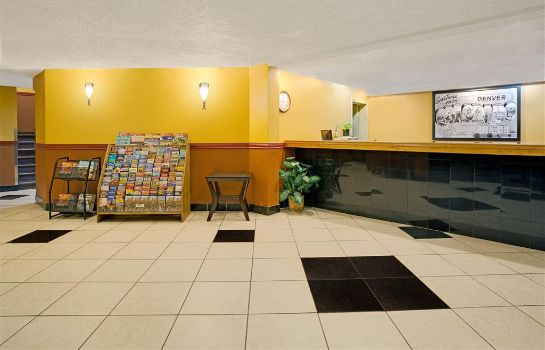 Lobby SUPER 8 DENVER STAPLETON