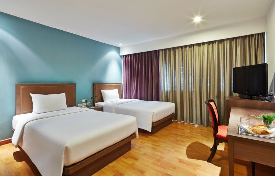 Double room (superior) Narai Hotel