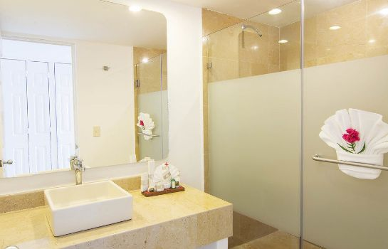 Bathroom Tesoro Ixtapa All Inclusive