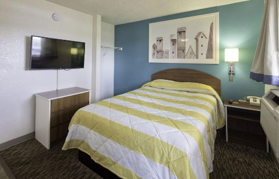Standard room InTown Suites Baton Rouge InTown Suites Baton Rouge